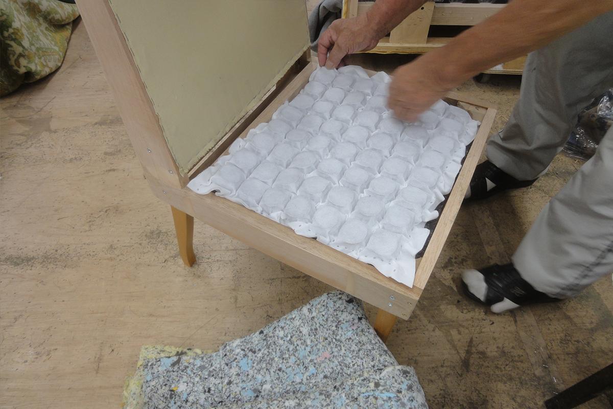 クッションの構造は耐圧を分散に優れているポケットコイルを採用